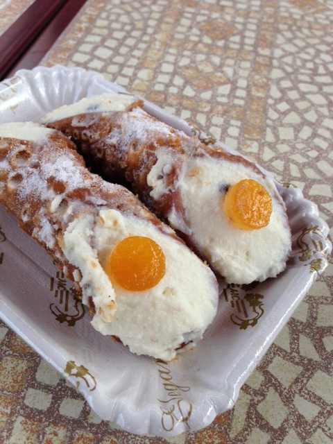 Sicilian-style cannoli at Pizzeria Dell'Amicizia